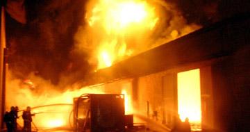 Tűz a Palota Kft. telephelyén